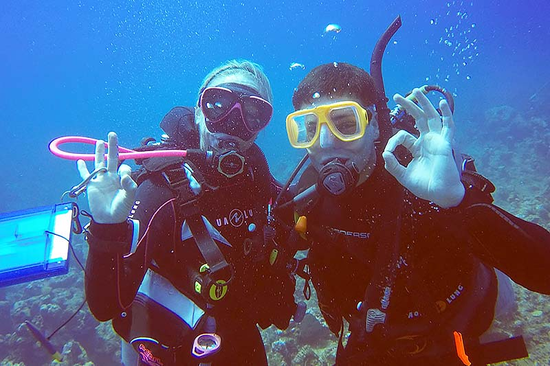student taking the Discover Scuba Diving course with Dive Provo